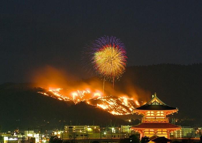 若草山燒山祭