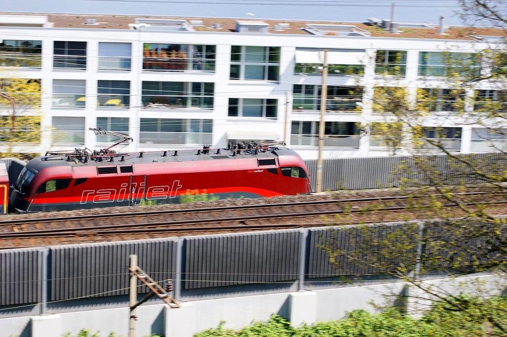 奧地利維也納機票-維也納機場市區交通-國鐵-OBB